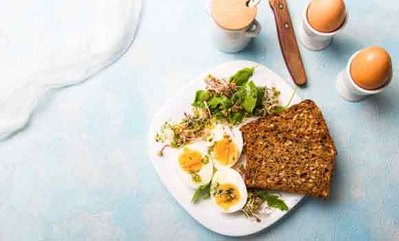 Eggs and whole wheat bread